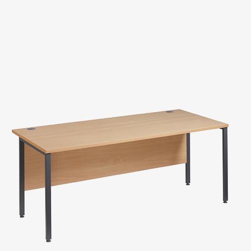 Maestro 25GLH Range desks from London Office Furniture Warehouse