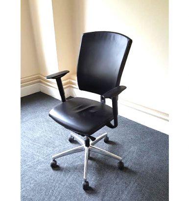 SITAG Black Ergonomic Swivel Chair