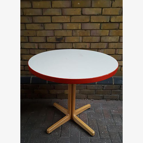 Kusch Round Tables