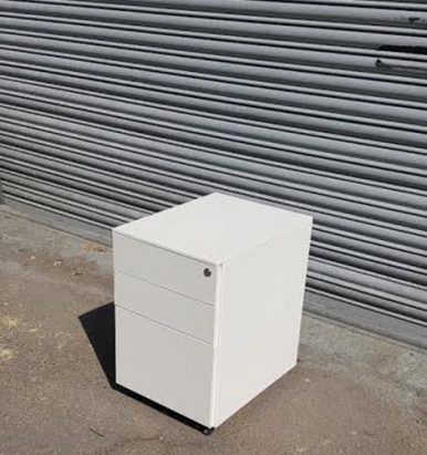2nd Hand White 3 Drawer Pedestals