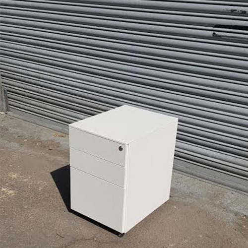 2nd Hand White 3 Drawer Pedestals