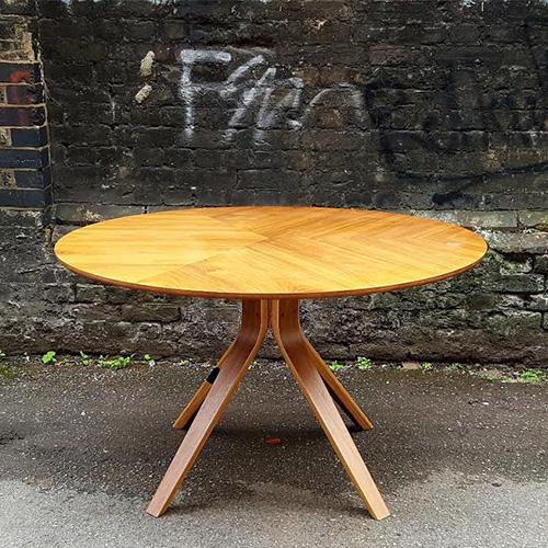 Retro Meeting Table – 1